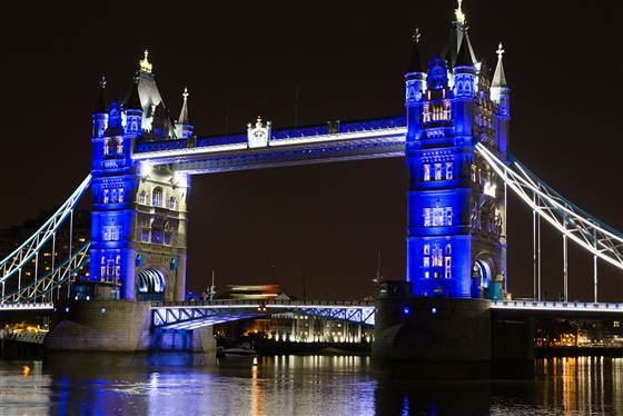 Tower Bridge turns blue