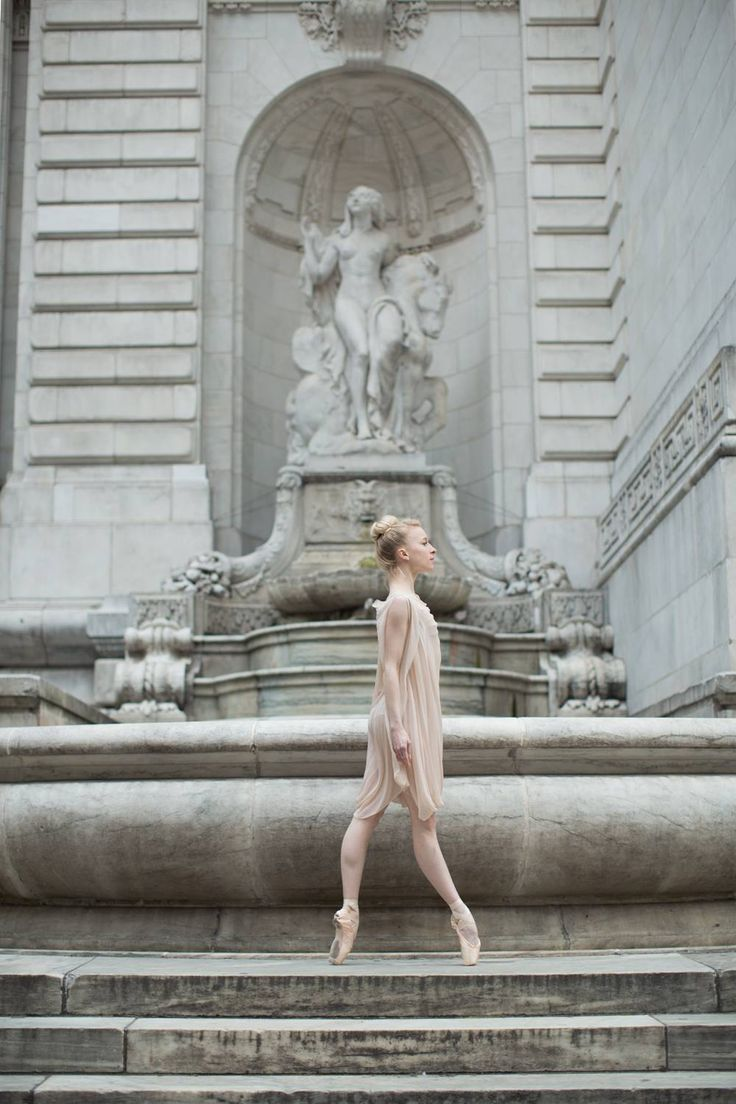 Shelby Travelling Ballerina New York